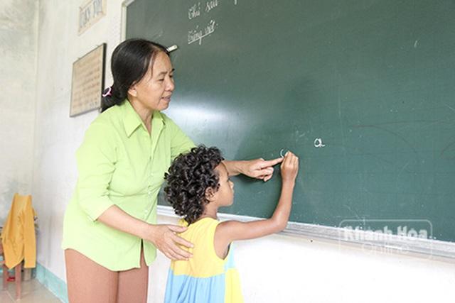 5 trường đại học được bồi dưỡng, cấp chứng chỉ tiếng Việt cho người nước ngoài - Ảnh 1.