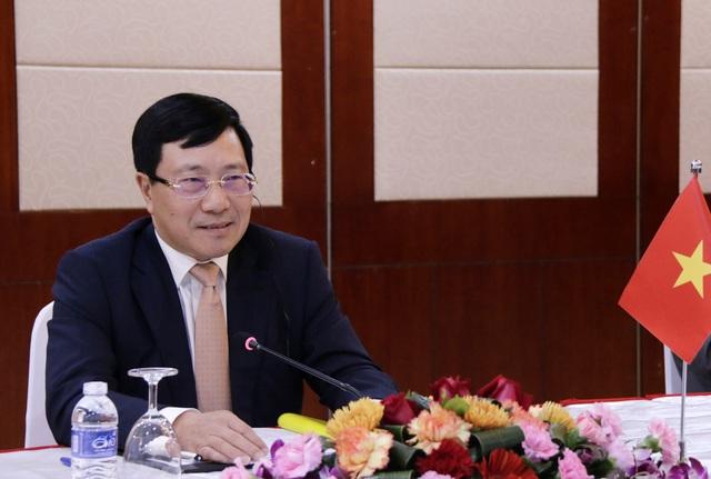 Phó Thủ tướng Phạm Bình Minh gặp Bộ trưởng Ngoại giao Trung Quốc, Lào - Ảnh 2.