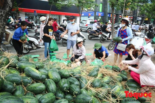 Bộ Công Thương yêu cầu các địa phương rà soát nông sản xuất khẩu qua biên giới  - Ảnh 1.