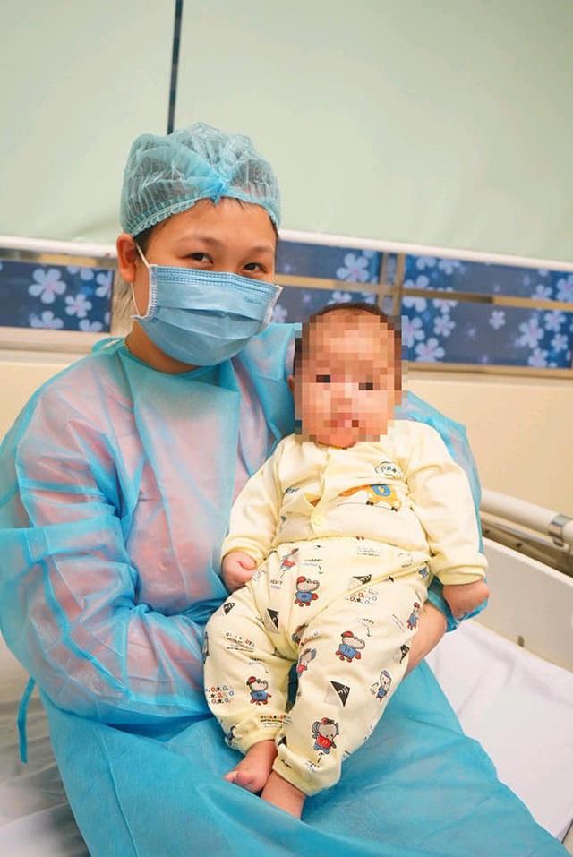Bé 3 tháng tuổi ở Vĩnh Phúc nhiễm Covid-19 đã được chữa khỏi như thế nào? - Ảnh 2.