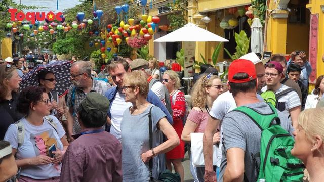 Hội An vẫn là điểm đến an toàn, mỗi đêm có trên 10.000 khách lưu trú, chủ yếu là khách châu Âu - Ảnh 3.