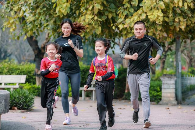 """Vinschool kêu gọi hàng chục ngàn phụ huynh, học sinh tham gia """"Thử thách chạy 30 ngày"""" vì sức khỏe, vì cộng đồng - Ảnh 4."""