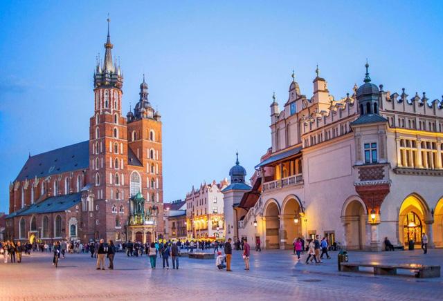 Tuyển 20 học bổng đi học tại Ba Lan diện Hiệp định Chính phủ năm 2020 - Ảnh 1.