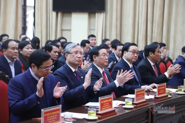 Công bố quyết định Phó Thủ tướng Vương Đình Huệ giữ chức vụ Bí thư Thành ủy Hà Nội  - Ảnh 3.