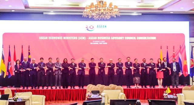 Các Bộ trưởng Kinh tế ASEAN ra tuyên bố chung ứng phó với Covid–19 - Ảnh 1.