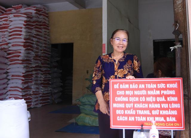 Chủ đại lý gạo ở Đà Nẵng treo tấm bảng khuyên khách không nên...mua nhiều gạo - Ảnh 4.