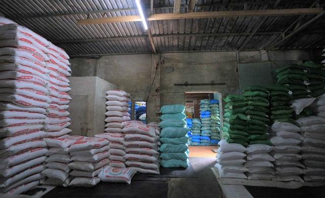 Chủ đại lý gạo ở Đà Nẵng treo tấm bảng khuyên khách không nên...mua nhiều gạo - Ảnh 5.