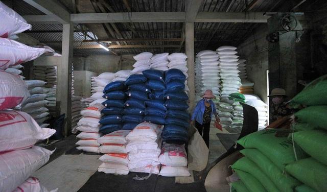 Chủ đại lý gạo ở Đà Nẵng treo tấm bảng khuyên khách không nên...mua nhiều gạo - Ảnh 6.