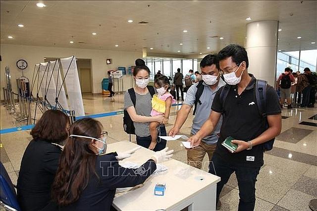 Phòng chống dịch Covid-19: Từ 18/3, tạm dừng cấp thị thực cho người nước ngoài nhập cảnh Việt Nam   - Ảnh 1.