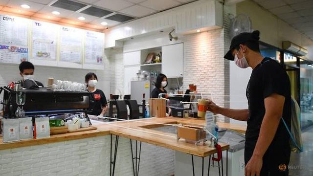 Độc đáo cách café Thái buôn bán mùa dịch Covid-19 - Ảnh 2.