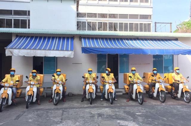 Bưu điện Việt Nam nhận chuyển phát hàng đến điểm cách ly COVID-19 - Ảnh 1.