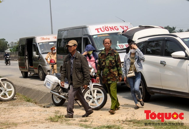 Kích hoạt các chốt kiểm soát y tế, Huế giám sát chặt người và phương tiện đến địa phương - Ảnh 3.