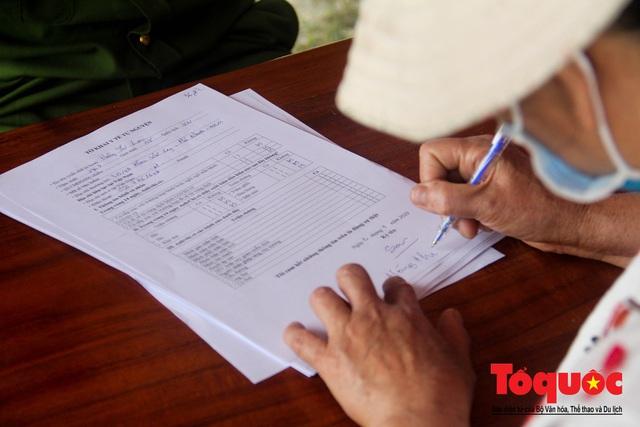 Kích hoạt các chốt kiểm soát y tế, Huế giám sát chặt người và phương tiện đến địa phương - Ảnh 10.