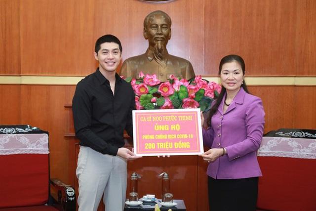 Hình ảnh MTTQ Việt Nam tiếp nhận ủng hộ của Ca sỹ Noo Phước Thịnh cùng các cơ quan, tổ chức, cá nhân với quyết tâm ngăn chặn, đẩy lùi dịch Covid-19. - Ảnh 3.