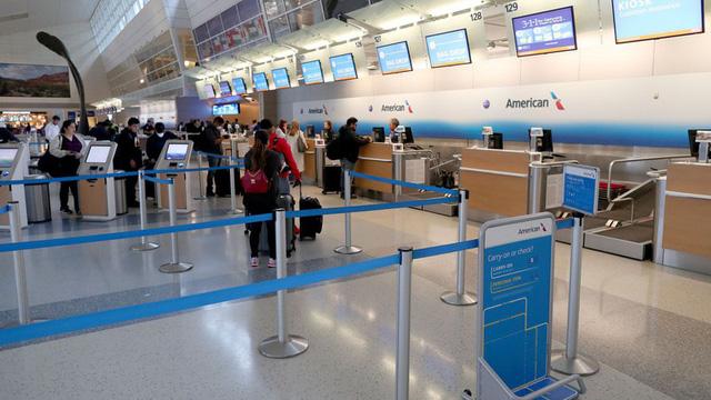 Bộ Ngoại giao thông tin về công tác bảo hộ công dân bị mắc kẹt tại Dallas, Mỹ - Ảnh 1.