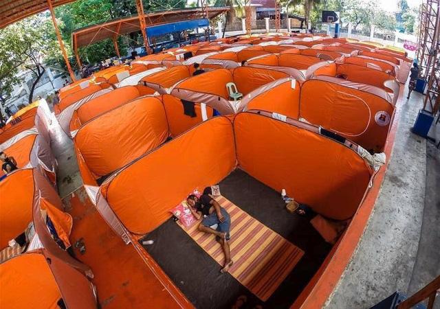 Philippines dựng lều cho người vô gia cư để phòng chống lây nhiễm Covid-19 - Ảnh 1.