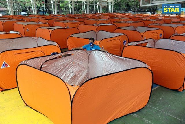 Philippines dựng lều cho người vô gia cư để phòng chống lây nhiễm Covid-19 - Ảnh 9.