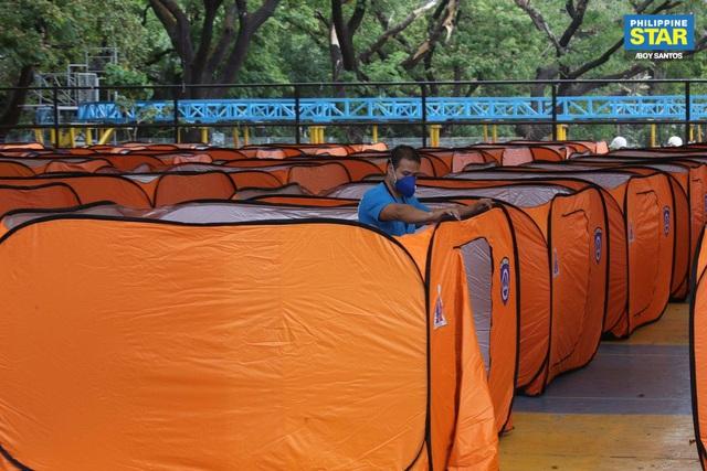 Philippines dựng lều cho người vô gia cư để phòng chống lây nhiễm Covid-19 - Ảnh 10.