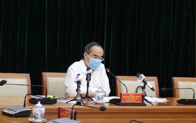 Bí thư Thành ủy TP.HCM Nguyễn Thiện Nhân đề nghị trong 2 tuần tới, người dân toàn thành phố cần hạn chế ra đường - Ảnh 1.