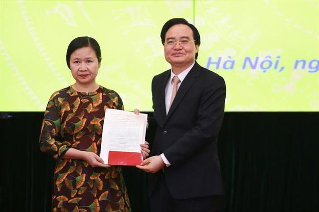 Bộ GDĐT bổ nhiệm Vụ trưởng Vụ Tổ chức Cán bộ, Vụ trưởng Vụ Giáo dục Dân tộc - Ảnh 2.