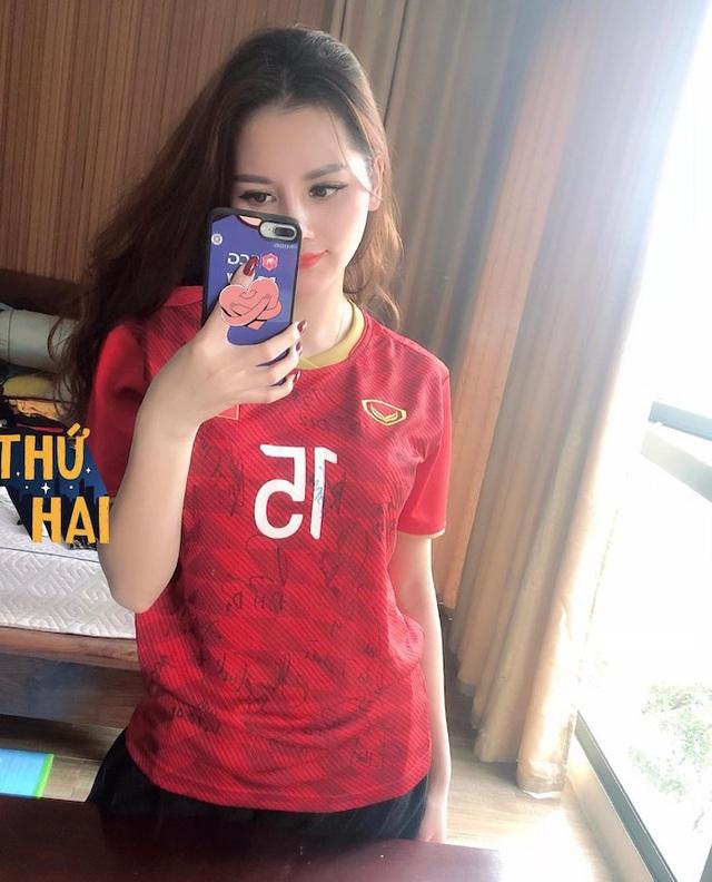 Hình ảnh nóng bỏng của bạn gái tin đồn cầu thủ Đức Huy - Ảnh 5.