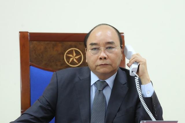 Việt Nam hỗ trợ trang thiết bị y tế chống COVID-19 cho Lào và Campuchia - Ảnh 1.