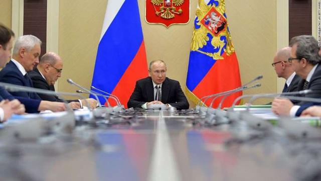 """Nga tăng tốc giảm """"xung chấn"""" từ COVID-19 tới kế hoạch kéo dài quyền lực của Tổng thống Putin - Ảnh 1."""