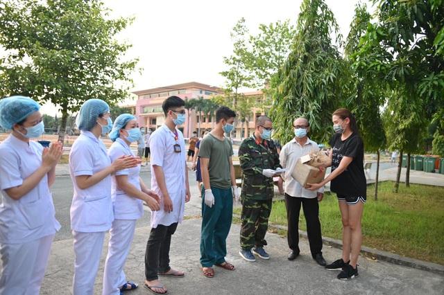 Võ Hoàng Yến quyên góp tiền ủng hộ công tác phòng chống dịch ở khu cách ly - Ảnh 1.