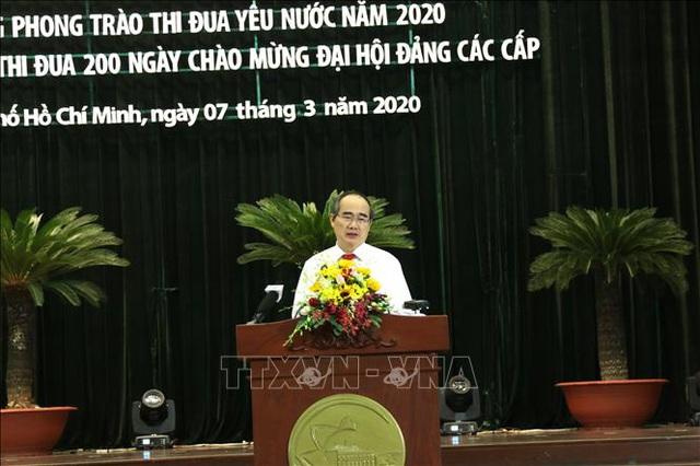 Bí thư Thành ủy TP.HCM Nguyễn Thiện Nhân: Càng gặp thách thức càng phải phát huy vai trò của thi đua - Ảnh 1.