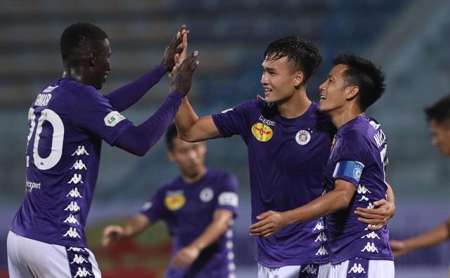 Vòng 1 V-League 2020: Tranh top ngày từ vòng đầu - Ảnh 1.