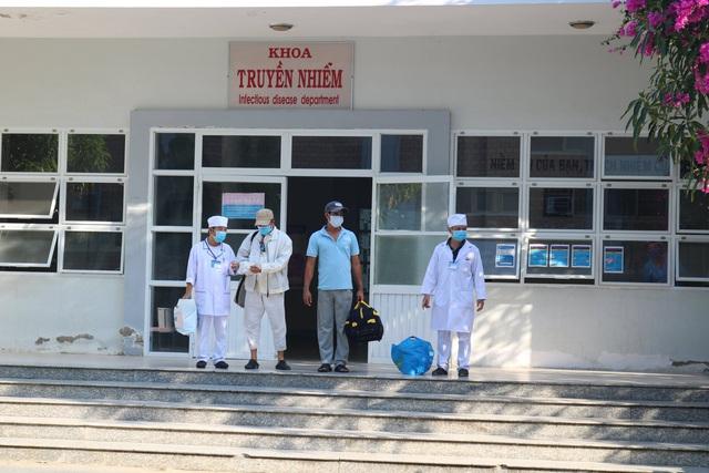 Thêm 2 ca mắc COVID-19 khỏi bệnh, Việt Nam có 128 ca được chữa khỏi - Ảnh 1.