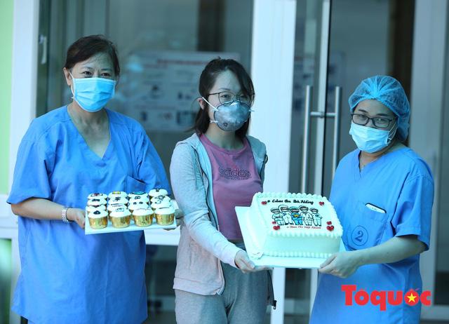 Bệnh nhân Covid-19 cuối cùng ở Đà Nẵng ra viện, Đà Nẵng không còn người nhiễm Covid-19 - Ảnh 2.