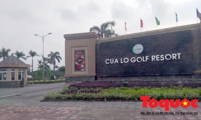 Nghệ An: Sân golf Cửa Lò mở cửa, nhiều người vẫn tụ tập chơi bất chấp chỉ thị của Thủ tướng - Ảnh 1.