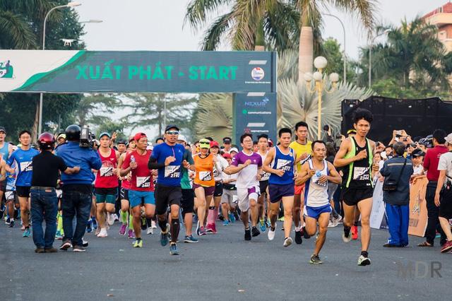 """Tạm ngưng đăng ký đối với vận động viên nước ngoài tham gia Giải """"Mekong delta marathon"""" Hậu Giang 2020 - Ảnh 1."""