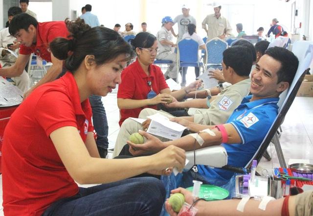 Tổng Bí thư, Chủ tịch nước Nguyễn Phú Trọng: Mỗi người khỏe mạnh, đủ tiêu chuẩn hãy luôn sẵn sàng, hăng hái tham gia hiến máu - Ảnh 1.