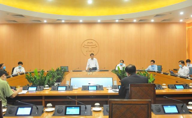 Từ mai, Hà Nội sẽ xử phạt các trường hợp ra đường không có lý do cần thiết - Ảnh 1.