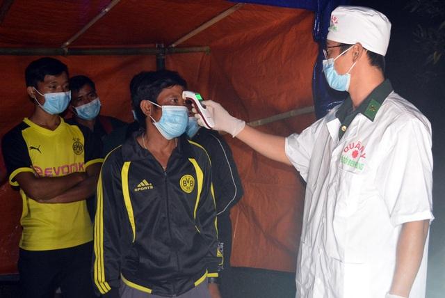 Thêm 12 công dân vượt biên trái phép từ Lào về bị phát hiện và đưa đi cách ly - Ảnh 1.
