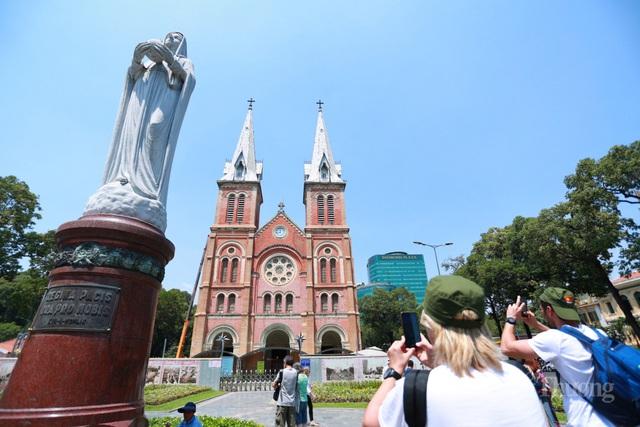 TP Hồ Chí Minh, An Giang, Bạc Liêu: Doanh thu du lịch quý 1/2020 giảm mạnh  - Ảnh 1.