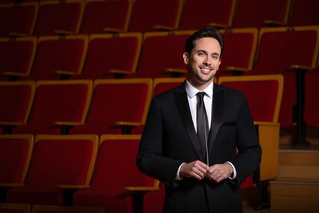 """Nhạc trưởng Olivier Ochanine: """"SSO sẽ mang đến nhiều buổi hòa nhạc xuất sắc khi tái xuất"""" - Ảnh 4."""