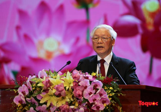 Long trọng kỷ niệm 130 năm Ngày sinh Chủ tịch Hồ Chí Minh: Nguyện kế tục trung thành và xuất sắc sự nghiệp vĩ đại của Người - Ảnh 3.
