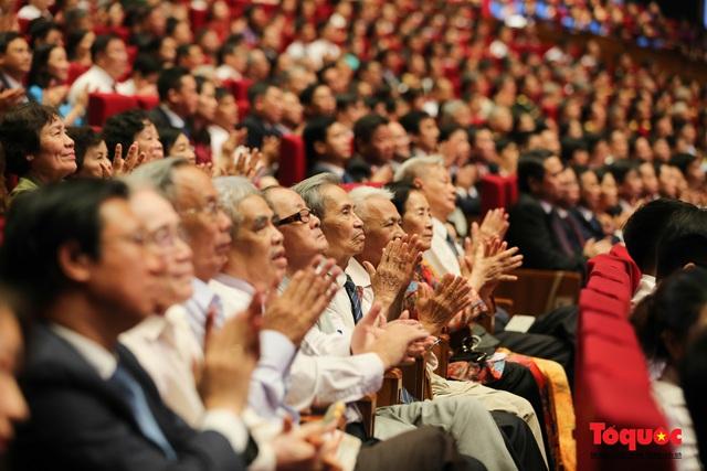 Trang trọng Lễ kỷ niệm 130 năm Ngày sinh Chủ tịch Hồ Chí Minh - Ảnh 9.