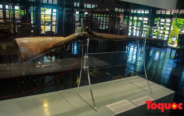 Chiêm ngưỡng những kỷ vật từng gắn bó với hoàng đế Gia Long - Ảnh 5.
