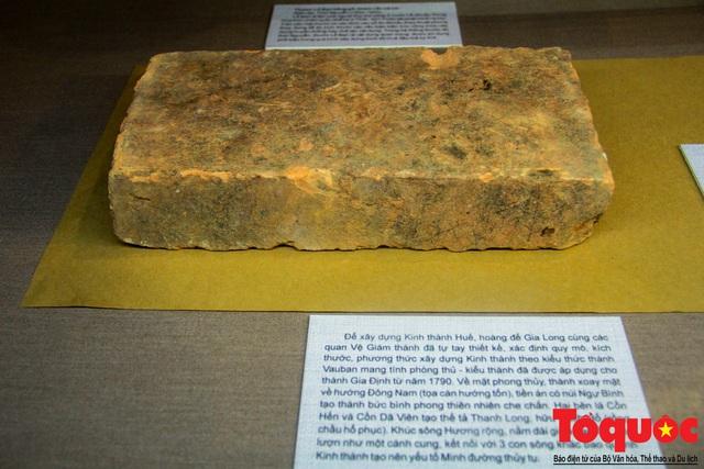 Chiêm ngưỡng những kỷ vật từng gắn bó với hoàng đế Gia Long - Ảnh 4.