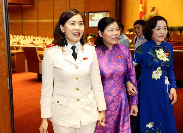 Hình ảnh bên lề sau phiên khai mạckỳ họp thứ 9 Quốc hội khóa XIV - Ảnh 10.