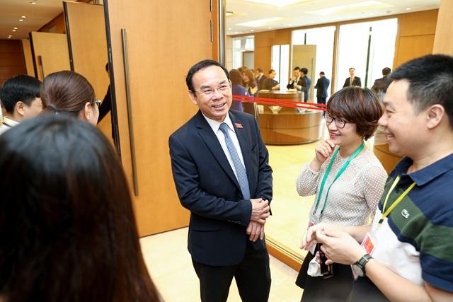 Hình ảnh bên lề sau phiên khai mạckỳ họp thứ 9 Quốc hội khóa XIV - Ảnh 12.