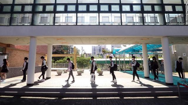 CNN: Học sinh châu Á trở lại trường, nhưng giáo dục hậu Covid-19 không phải không có khó khăn - Ảnh 2.