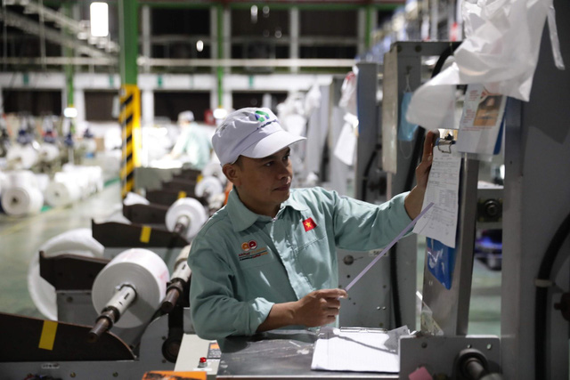 Vì sao chính sách bảo hiểm thất nghiệp tại Việt Nam đi vào đời sống nhanh? - Ảnh 1.