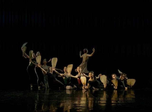 Lần đầu tiên Truyện Kiều được thể hiện bằng nghệ thuật ballet - Ảnh 1.