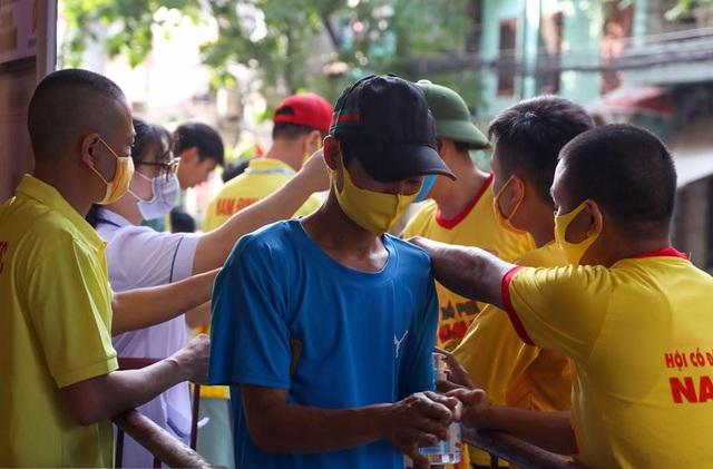 Trước thêm đại chiến CLB Nam Định - CLB HAGL: Công tác kiểm soát, phòng chống dịch thắt chật - Ảnh 4.
