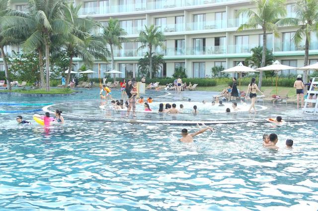 3 lý do các resort 'tất cả trong một' là lựa chọn hàng đầu cho kỳ nghỉ gia đình hè này - Ảnh 1.